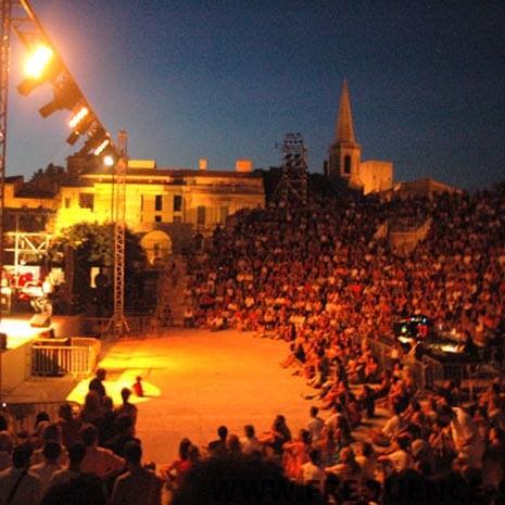 theatre_antique_arles_2.jpg